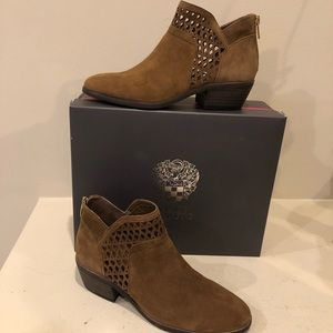 NWT VINCE CAMUTO ankle boot